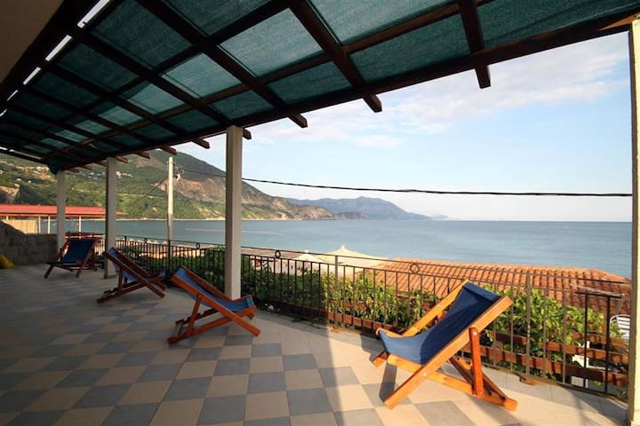 Savina beach house Apartments - Budva  - Apartamento