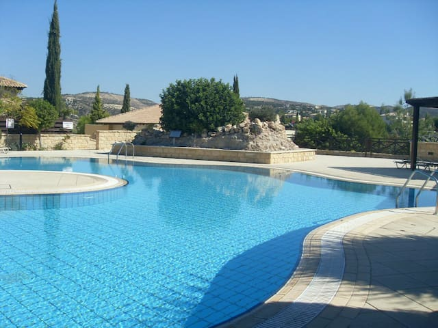 2 Bed Luxury Villa In Aphrodite Hills!!