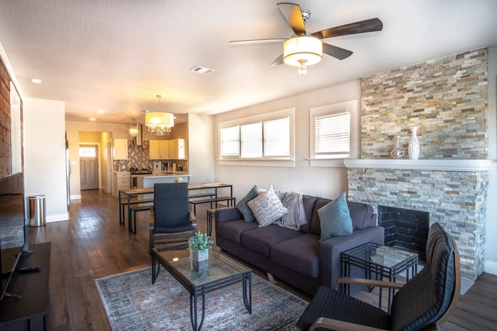 Remodeled! Mins to Riverwalk, Downtown, The Pearl