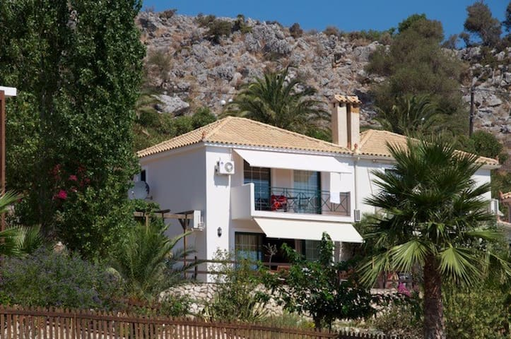 Villa with a view on sea and pool - Cephalonia Prefecture - 別荘