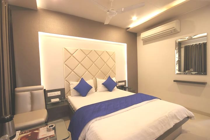 Accommodation in Paldi for corporate