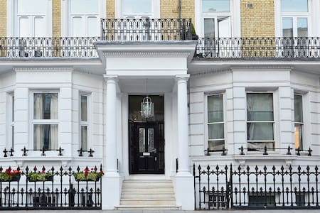 Stylish Studio, 3 mins from Earl's Court 6 - London - Apartment