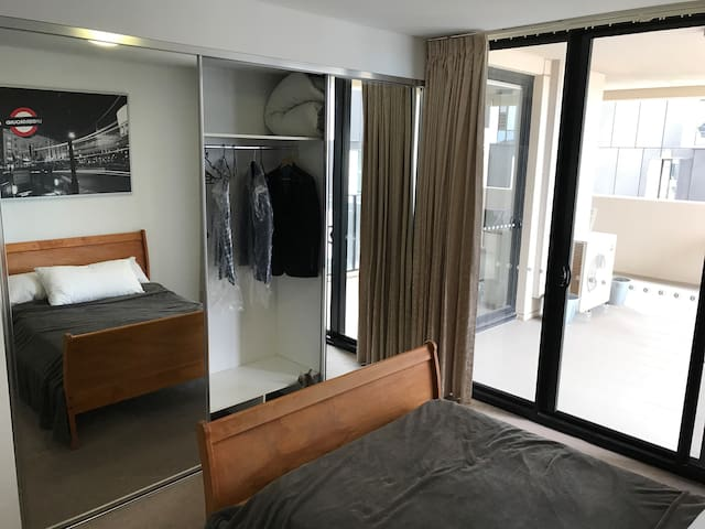 Large mirrored walk- in wardrobes with plenty of space for shirts, suits and dresses. No need to live out of the suitcase!