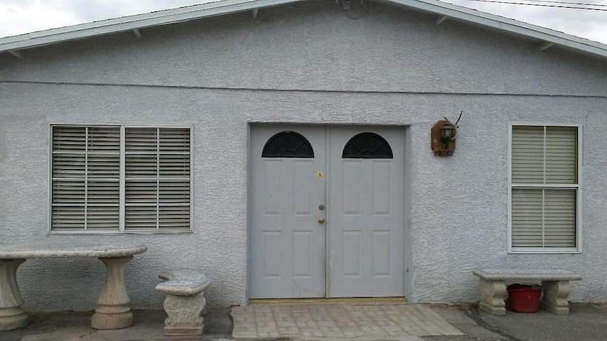 Very Secure, Fenced, 2 Bdrm 1 Bath Home, 31+Nights