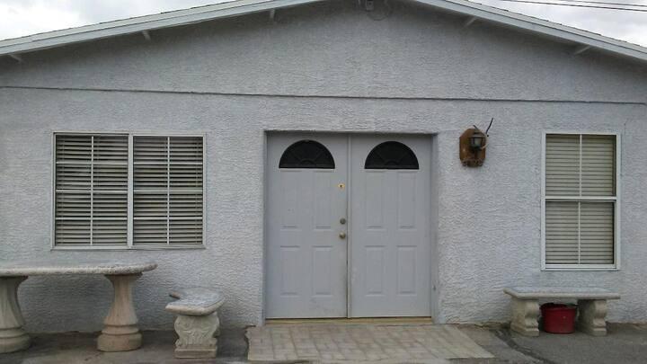 Very Secure, Fenced, 2 Bdrm 1 Bath Home, 60+Nights