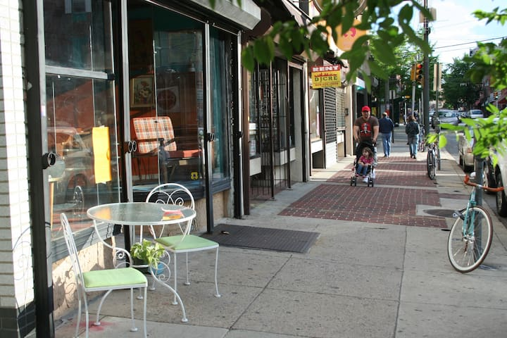 Sunny South Philly Row - Bullwinkle Room - ฟิลาเดลเฟีย - บ้าน