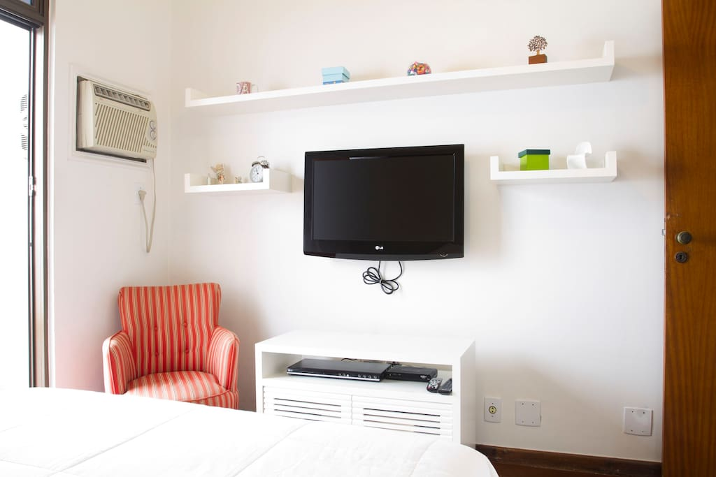 Comfortable room withTV, WiFi and air conditioner.