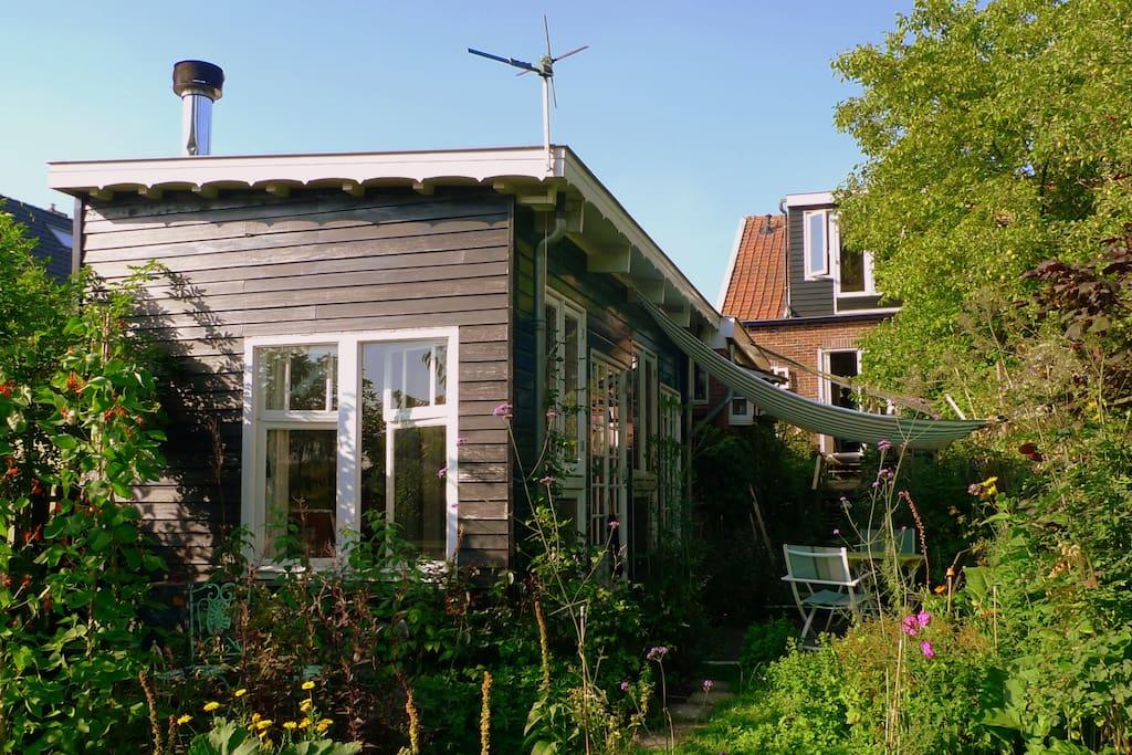 Artistic gardenhouse near amsterdam pensione in affitto for Case affitto amsterdam economici