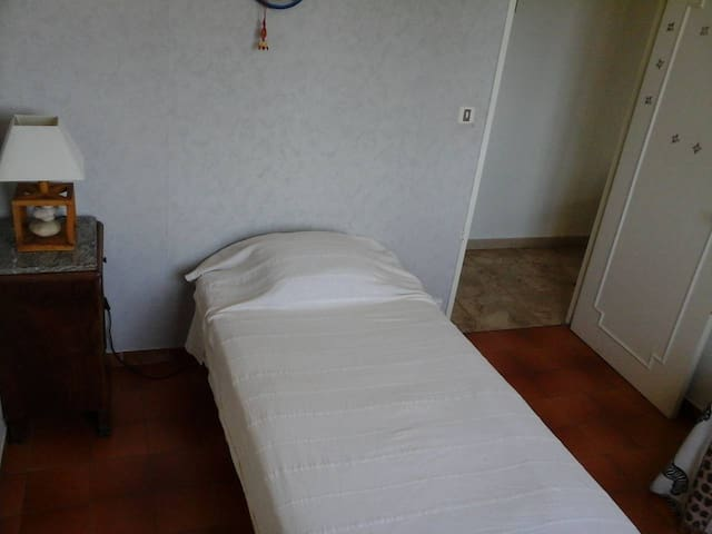 Guests bedroom , provencal house