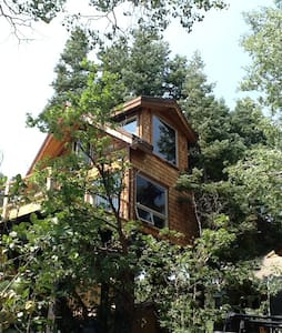 Treehouse above park city UT.