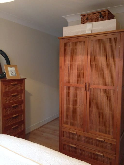 Double wardrobe and drawers.