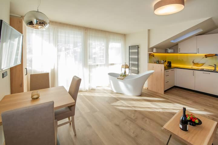 "Modern Apartment ""App. Gewürztraminer"" with Mountain View, Wi-Fi, Garden, Pool, Sauna & Jacuzzi; Parking Available"
