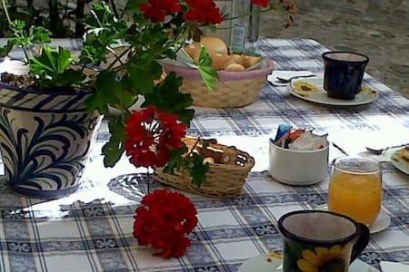 Casannunziata bed and breakfast - Montalto delle Marche - Hus