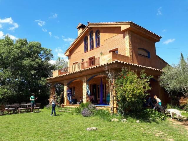 Casa preciosa a l'Alt Empordà, amb vistes àmplies.