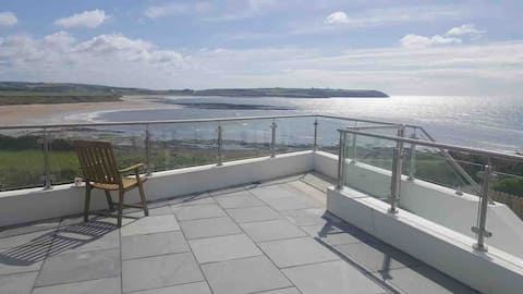 Coastguard Cottage seaview hot tub family friendly