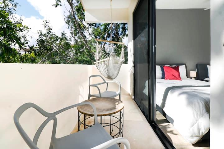Modern Luxe 2BR Retreat! Perfect Getaway! Sleeps 6!