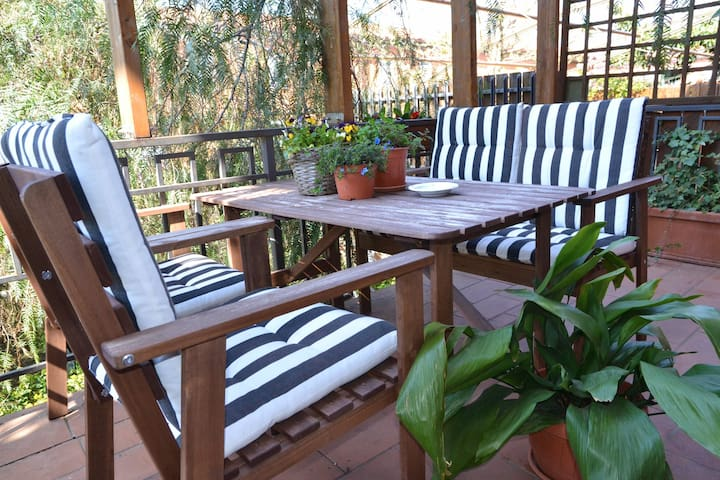 Independent villa with quiet garden - Rome - Villa