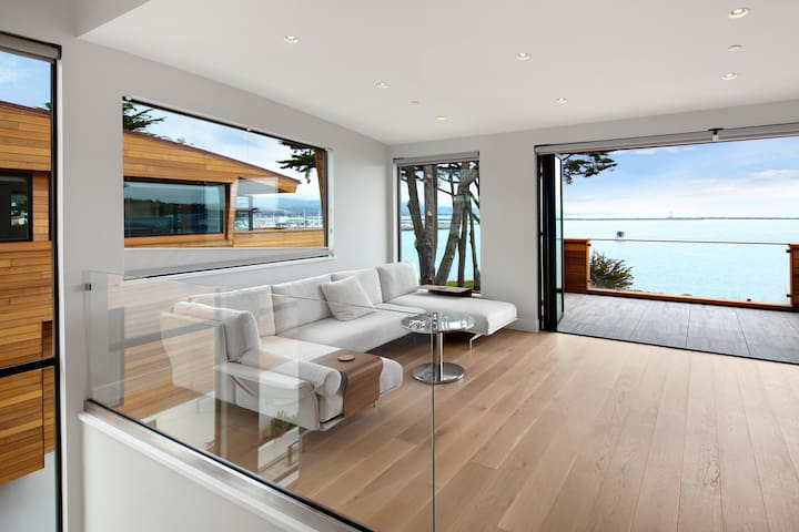Spectacular Luxury Brand New Half Moon Bay Home