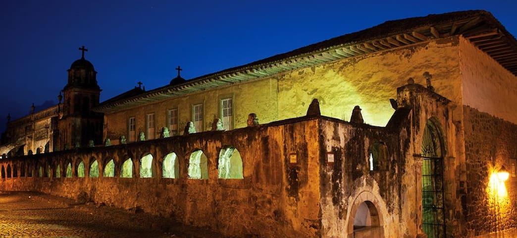 Downtown Pátzcuaro, hacienda style! VI