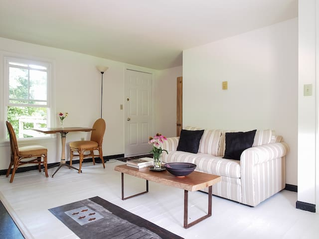 Charming Apartment in Chestertown