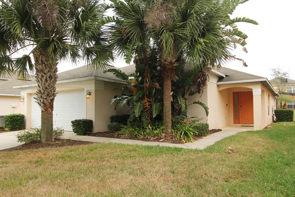 A gorgeous 4 bedroom villa minutes from Disney World