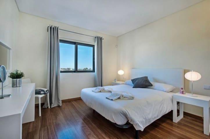 Bedroom 3 - King size