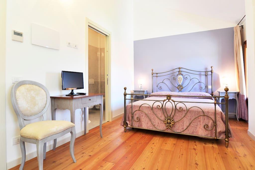 Double room in a b b near venice bed breakfasts for for Visma arredo quarto d altino