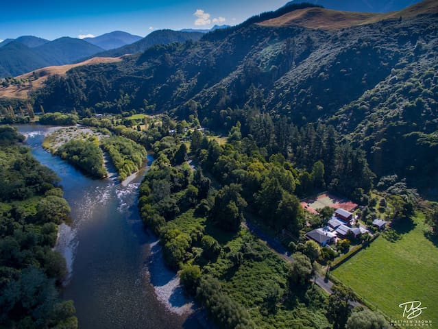 World class fishing and adventure - Motueka Valley - Dům