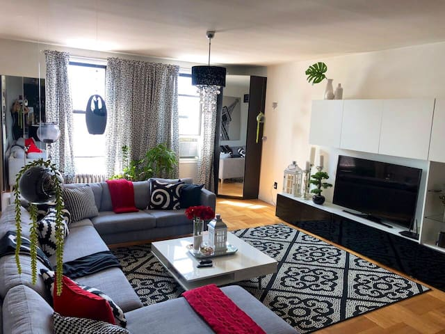 Glamorous Bronx Room
