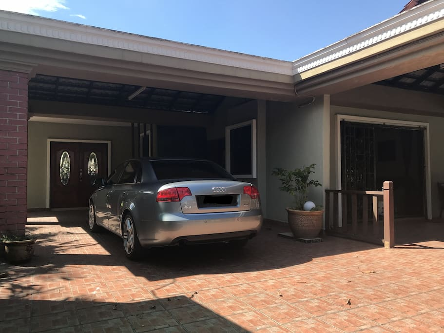 house porch can fitted 2-3 cars
