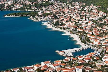 Excellent location on the beach - Trogir