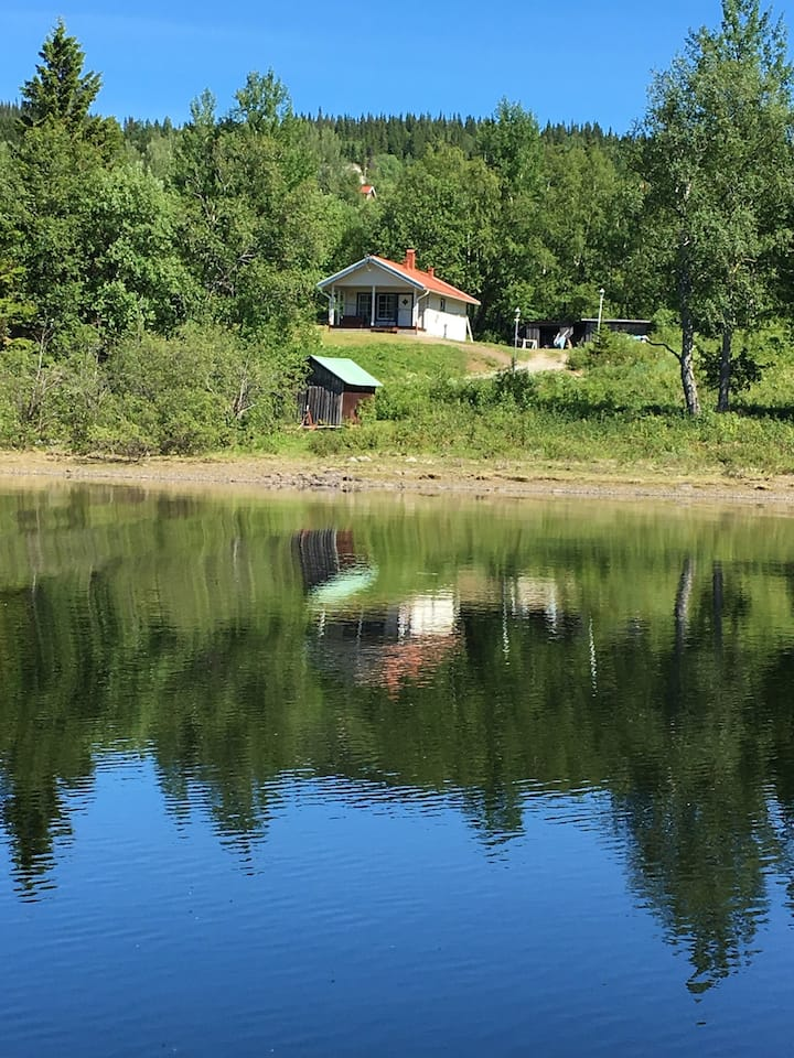 Absolutely unique cottage by Lake Åre!