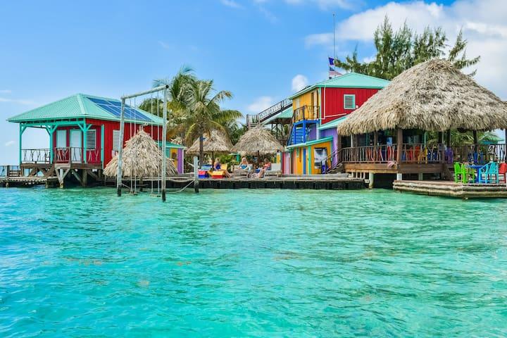 King Lewey's Island Resort Yellowtail Cabana