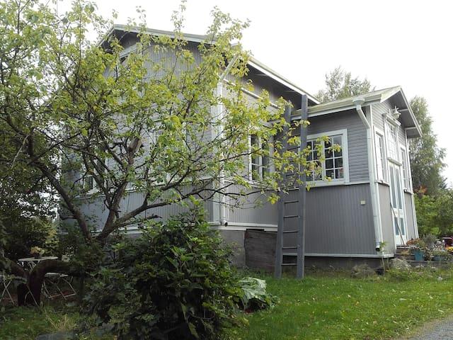 Idyllinen vanha talo maalla - Hämeenkyrö