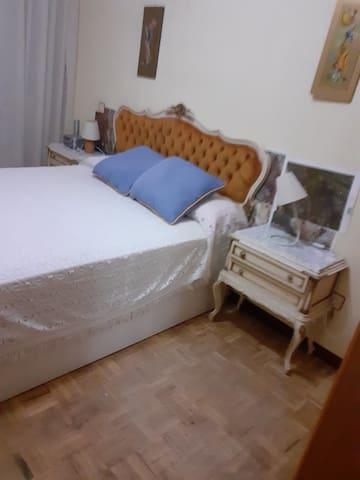 Habitacion con cama de 1 50