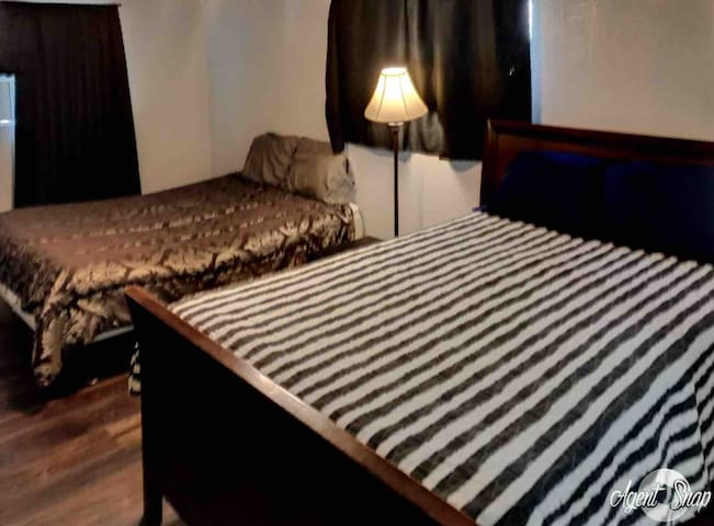 Homey Experience 10 min airport & 15 min downtown