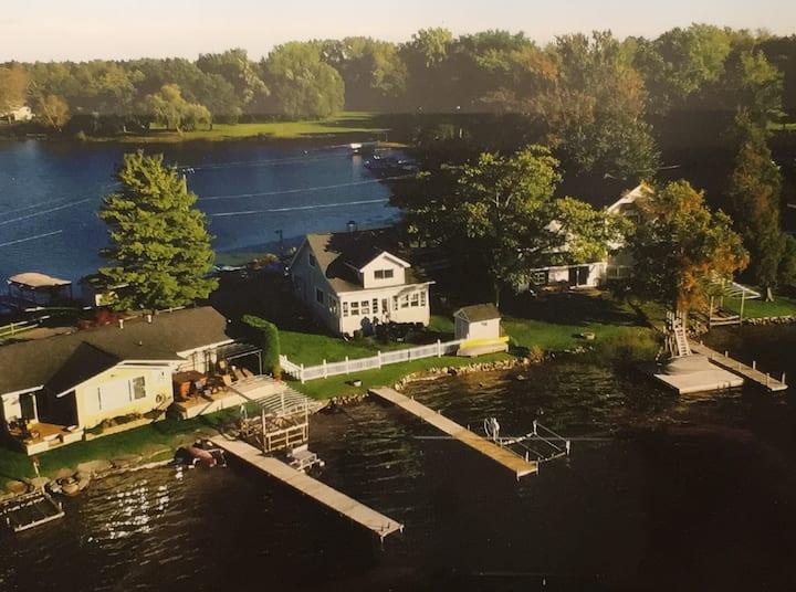 Fantastic Lake Cottage on 7 Lakes