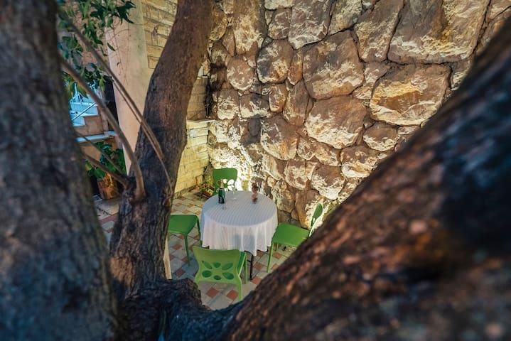 Pleasant stay on Makarska Riviera-Promajna