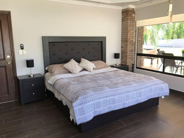 Rec3 - Cama KingSize, 1 sofa cama y 2 camas individuales en planta baja, facil acceso