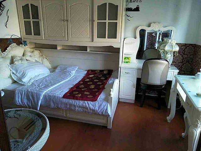 欧式小公主生活房紧凑厨房卫生间