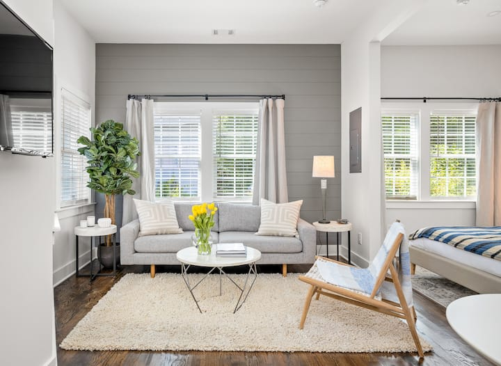 Sunny Carriage House  | Inman Park |  LOCAL