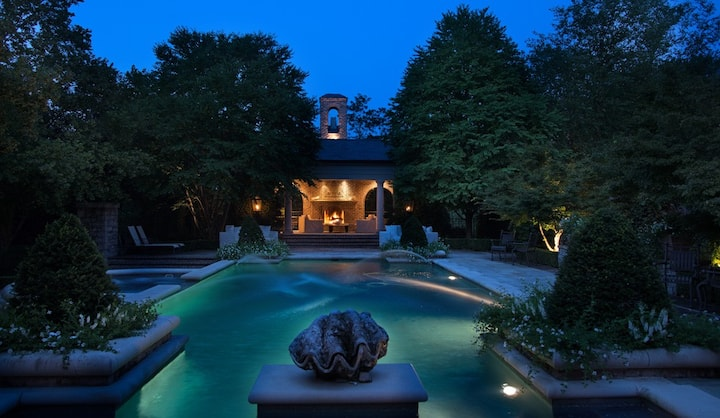 Belle Meade Villa - A True Sight to Behold with Sprawling Acres, Pool 30 day min