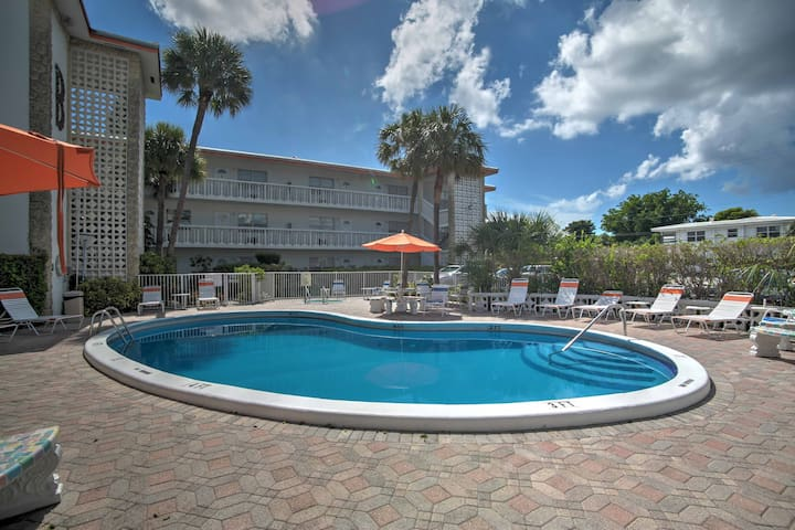 Apartment w/ Pool, 1-Block Walk to Deerfield Beach