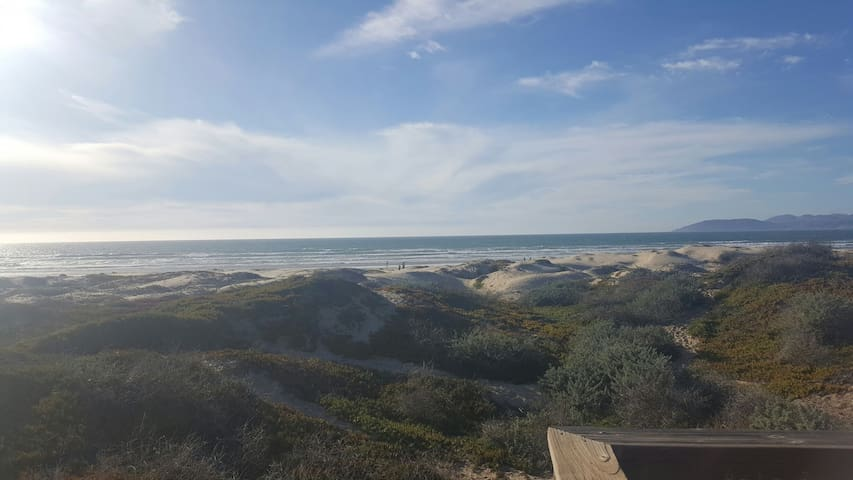 3bd 2b beach home 1 mile to Dunes 2 miles to Pismo