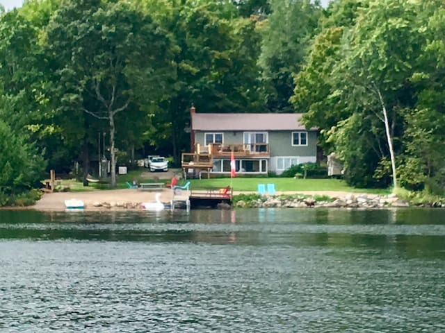 Luxury Private Waterfront for Families & Fishing!