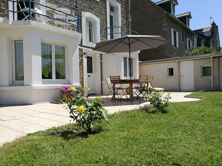 Appartement en bord de mer avec terrasse et jardin