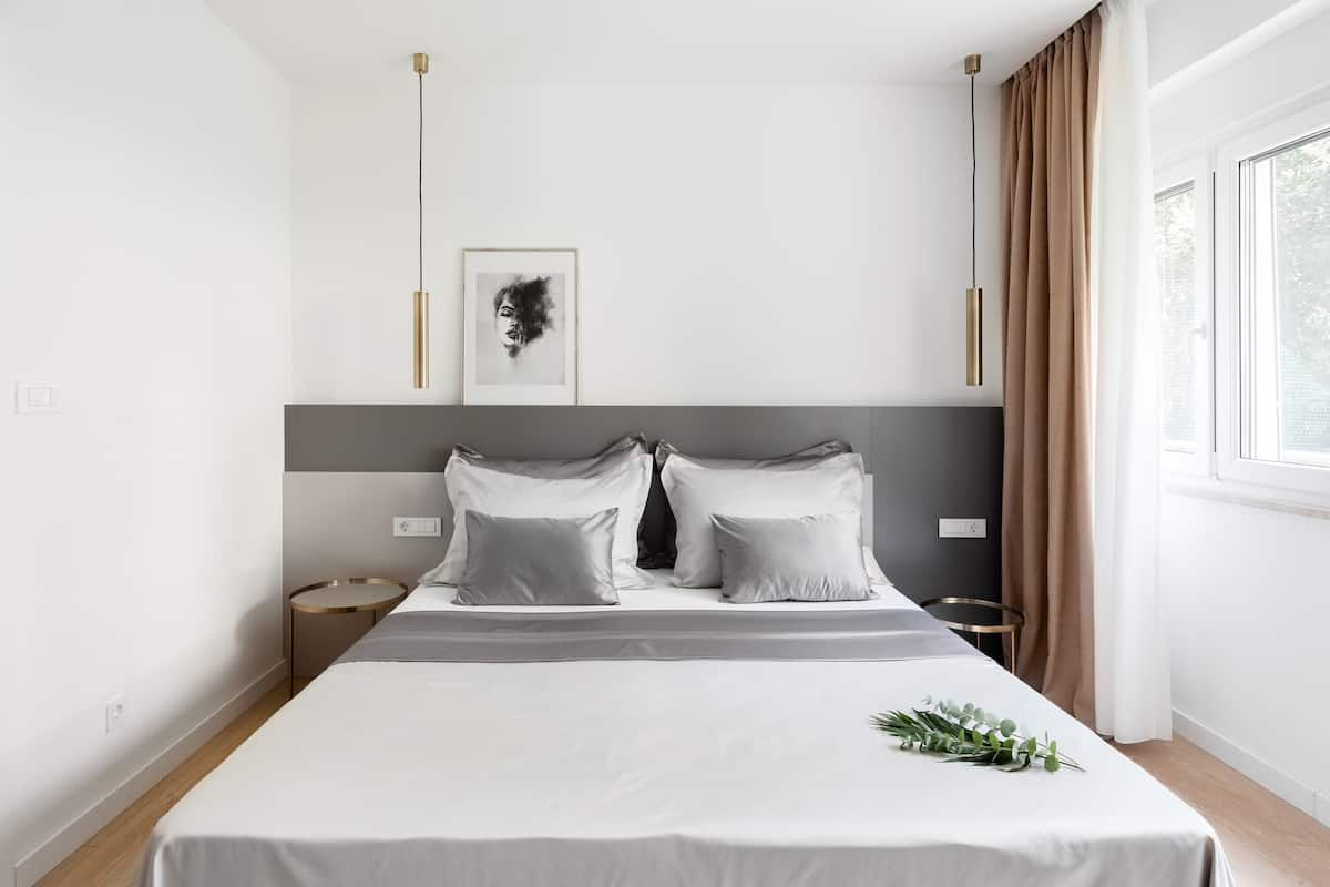 Hugo 2—Modern Home With Parking Near Diocletian's Palace