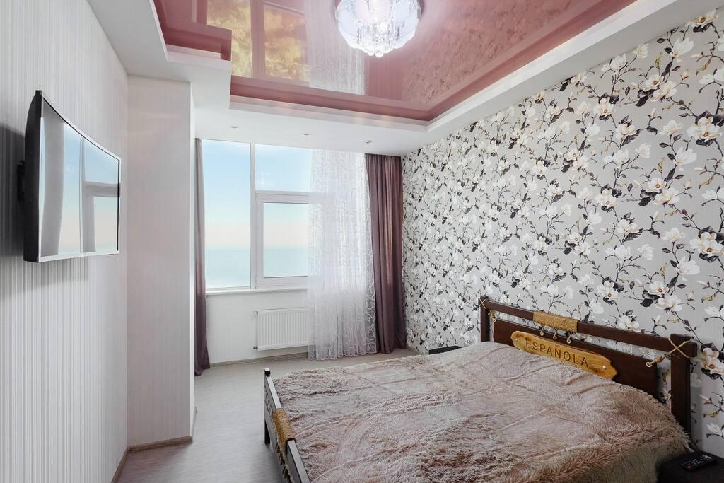 Спальня. Вид на море