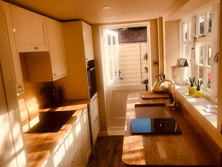 Contemporary cottage in the heart of Faversham