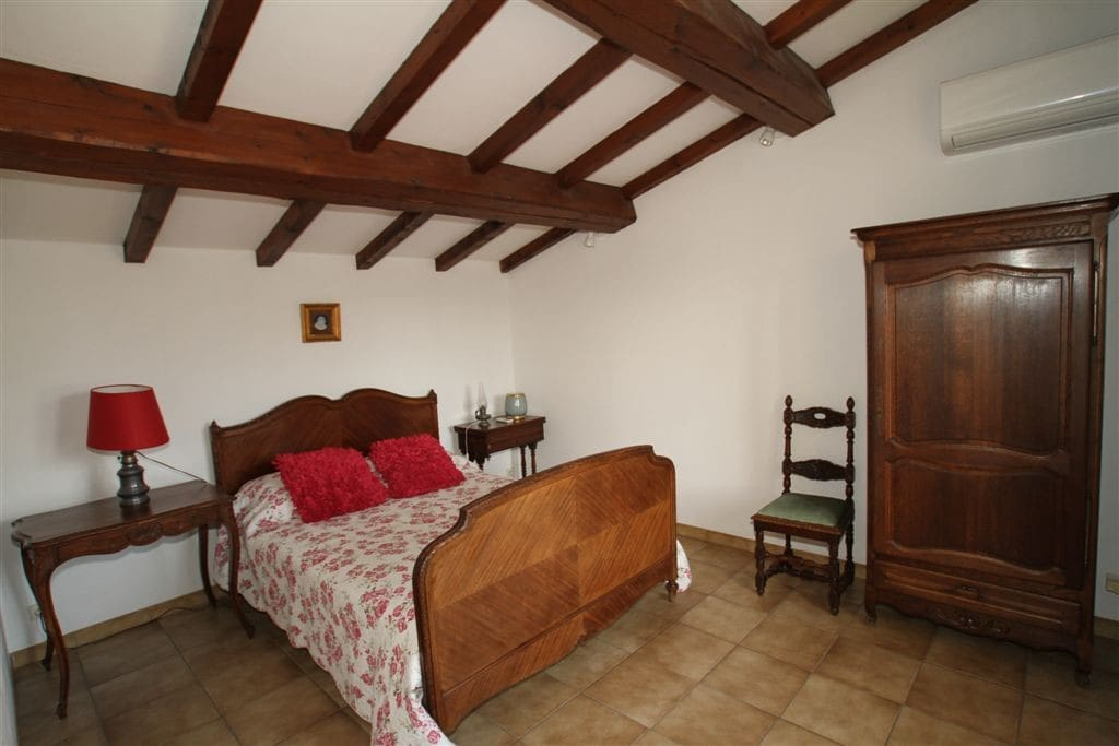 Chambre double climatisée / Double bedroom wit air conditioning